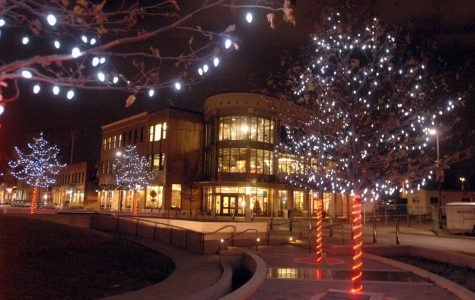 Uptown Normal kicks off holiday season